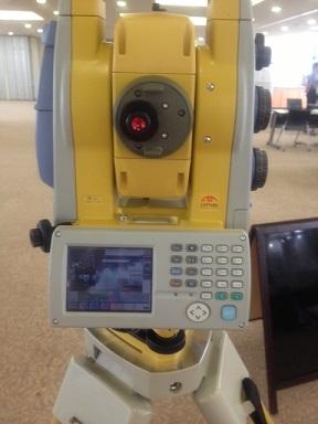 土木・都市防災コースのサイエンスコミュニケーターが紹介する測定器。。 普段の実習でも使っています!